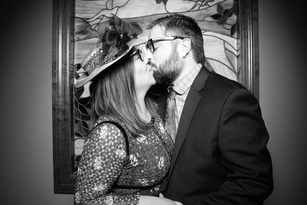 Mrs_Murphys_Wedding_Irish_Bistro_Chicago_Reception_Photo_Booth__04.jpg