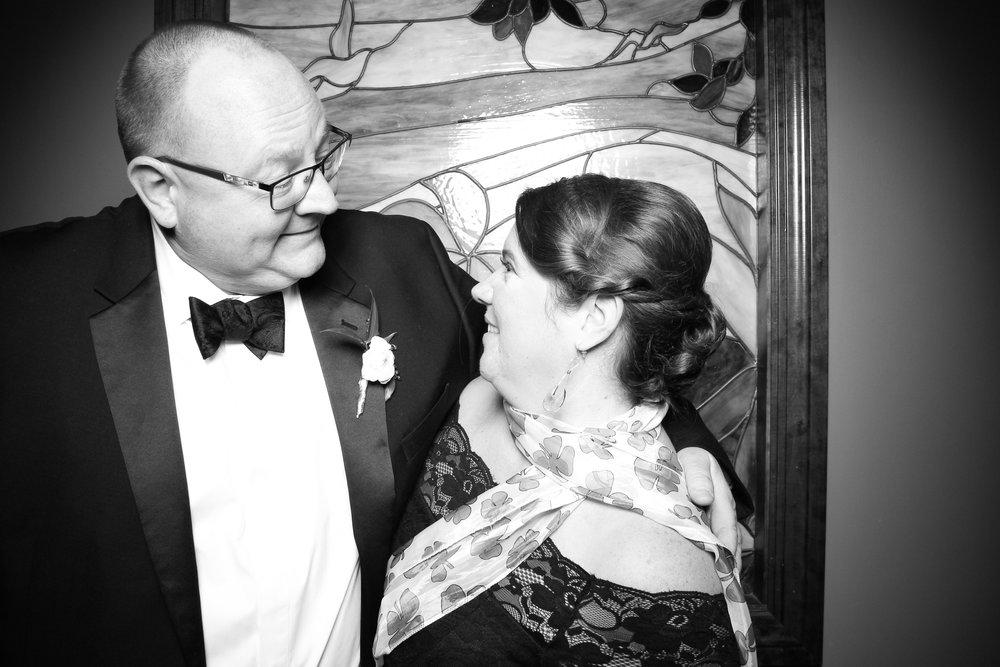 Mrs_Murphys_Wedding_Irish_Bistro_Chicago_Reception_Photo_Booth__08.jpg