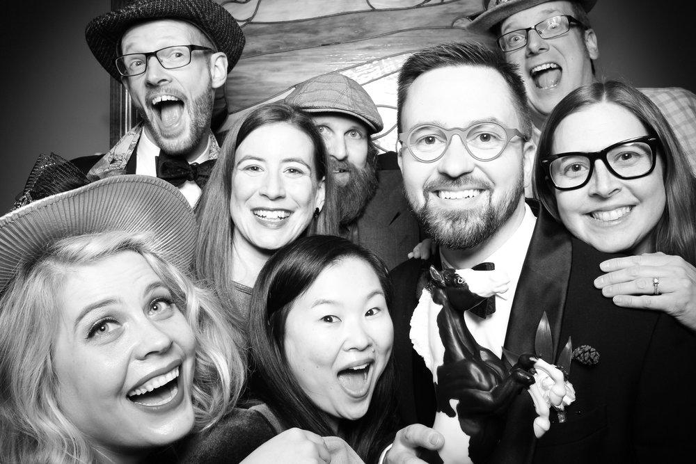 Mrs_Murphys_Wedding_Irish_Bistro_Chicago_Reception_Photo_Booth__10.jpg