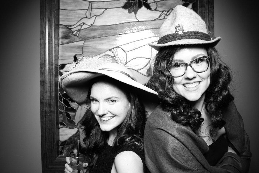 Mrs_Murphys_Wedding_Irish_Bistro_Chicago_Reception_Photo_Booth__11.jpg