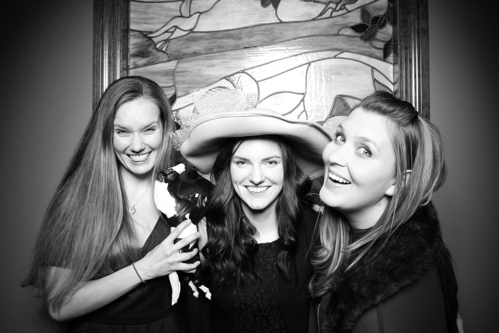 Mrs_Murphys_Wedding_Irish_Bistro_Chicago_Reception_Photo_Booth__13.jpg