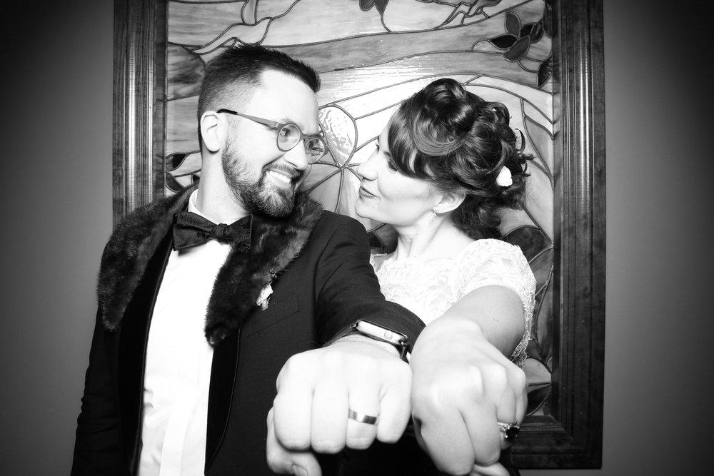 Mrs_Murphys_Wedding_Irish_Bistro_Chicago_Reception_Photo_Booth__17.jpg
