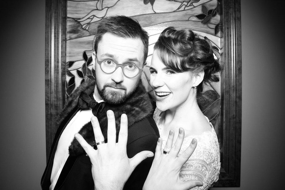 Mrs_Murphys_Wedding_Irish_Bistro_Chicago_Reception_Photo_Booth__18.jpg