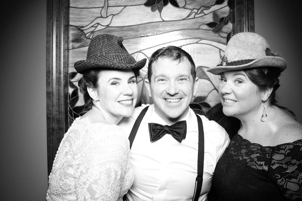 Mrs_Murphys_Wedding_Irish_Bistro_Chicago_Reception_Photo_Booth__23.jpg