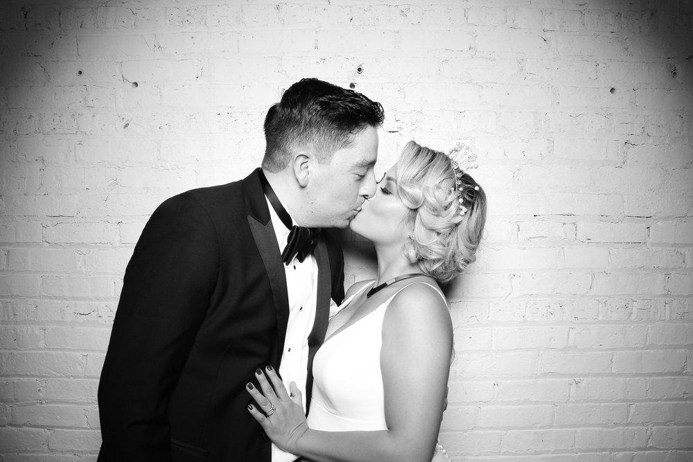 Chicago_Vintage__Wedding_Photobooth_Company_251_15.jpg