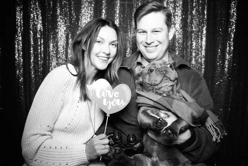 Chicago_Vintage_Photobooth_Valentines_Day_Dog_08.jpg