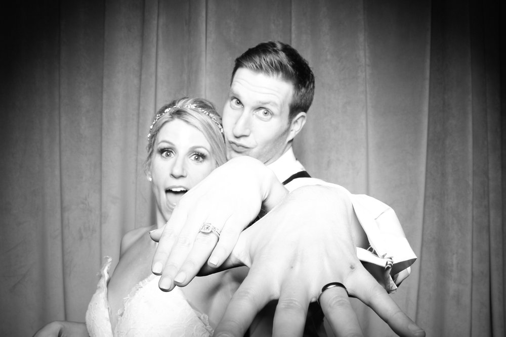 Chicago_Vintage_Wedding_Photobooth_Four_Seasons_29.jpg