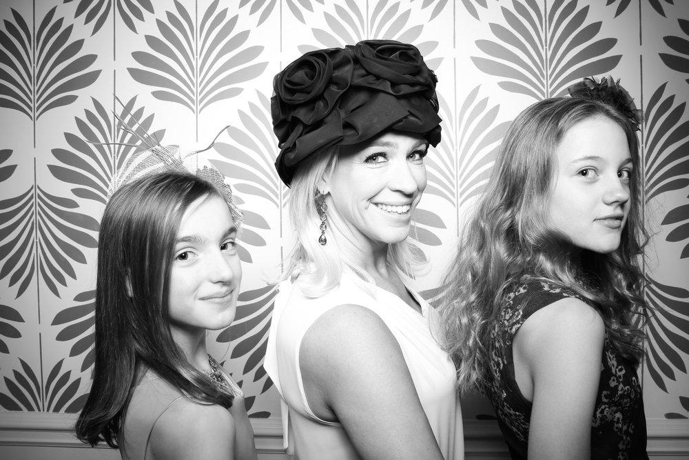 LaGrange_Country_Club_Photo_Booth_Wedding_Reception__01.jpg