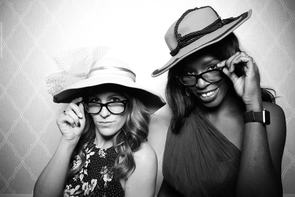 Chicago_Vintage_Wedding_Photobooth_Drake_Hotel_02.jpg