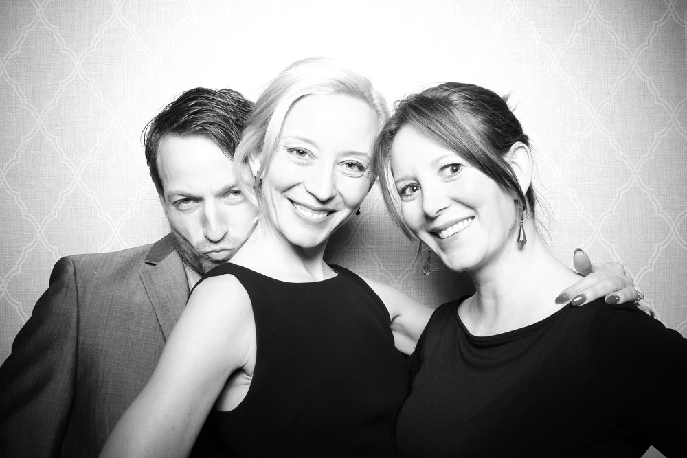 Chicago_Vintage_Wedding_Photobooth_Drake_Hotel_14.jpg