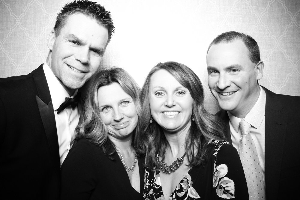 Chicago_Vintage_Wedding_Photobooth_Drake_Hotel_15.jpg