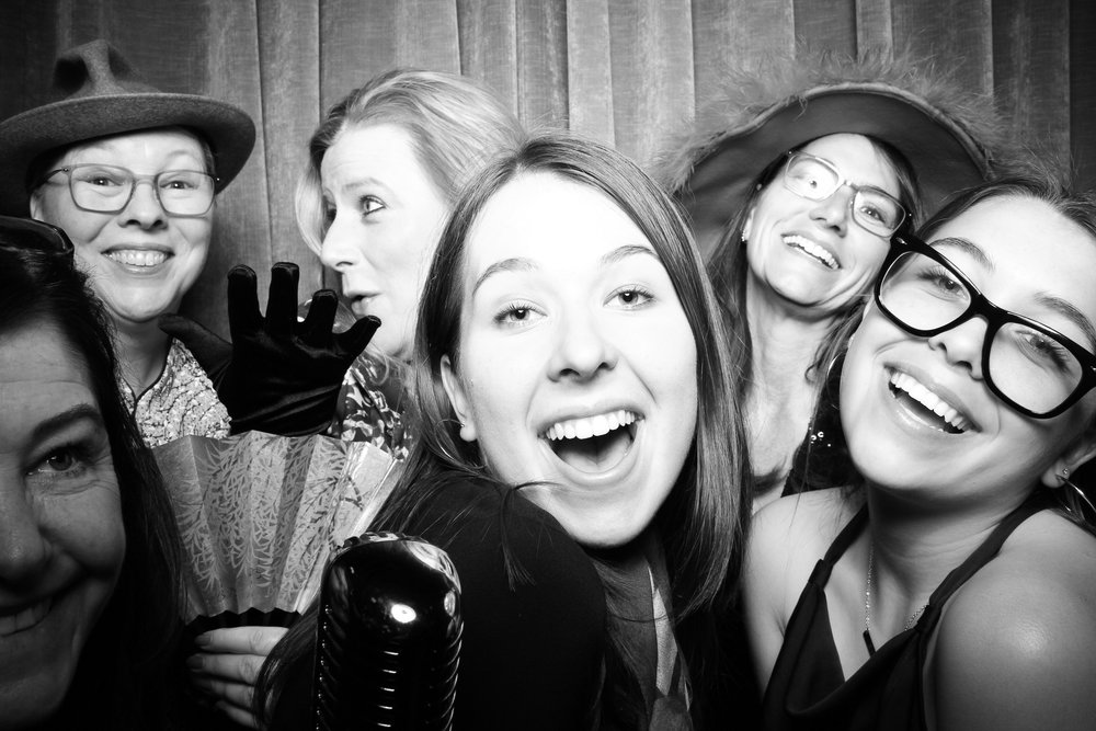 Chicago_Vintage_Wedding_Photobooth_Drake_Hotel_23.jpg