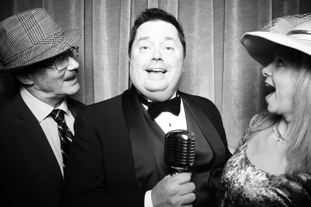 Chicago_Vintage_Wedding_Photobooth_Drake_Hotel_27.jpg