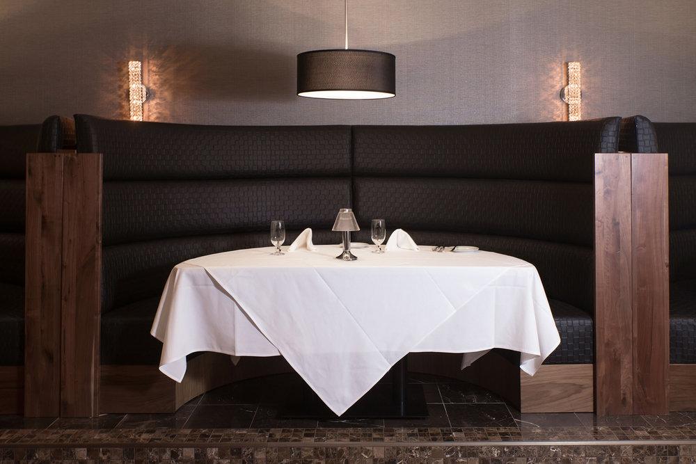 110_Larsons Steakhouse.jpg