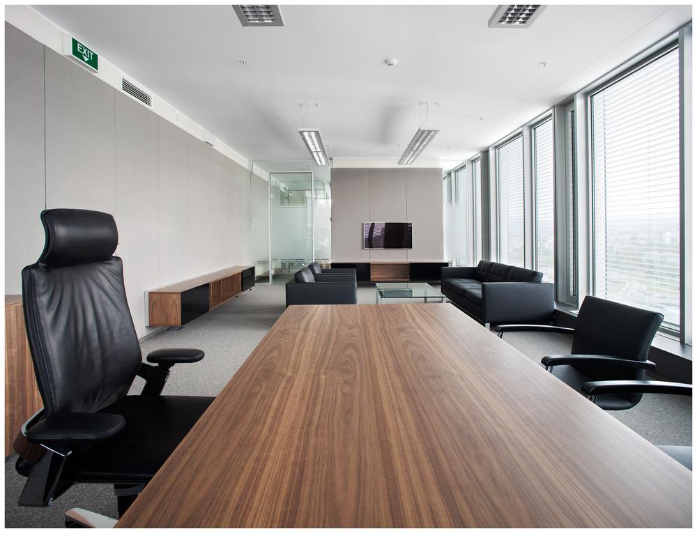 office D1.JPG