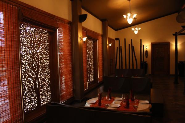 13 restaurant.jpg