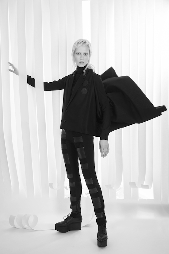 Love_is_stronger_Esther_Perbandt_Black_top_turtleneck_trousers_leather_tights_photo_birgit_kaulfuss.jpg