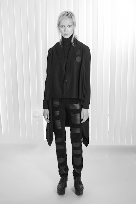 Love_is_stronger_Esther_Perbandt_Black_shirt_scarf_throw_trousers_leathers_tights_wide_photo_birgit_kaulfuss.jpg