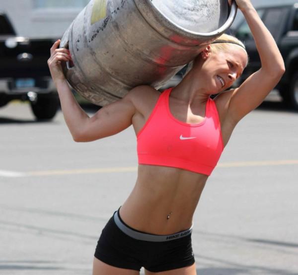 crossfit-girl-beer-e1329835665272-1024x947-600x554.jpg