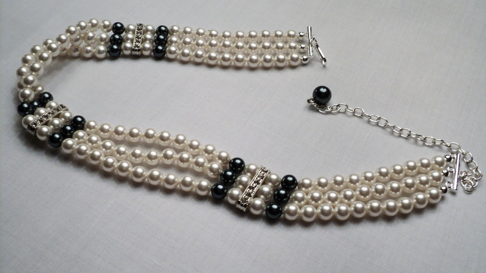 13 12 inches  three strand of 6mm Glass Pearl Adjustable Chocker Necklace_Unclasped.JPG