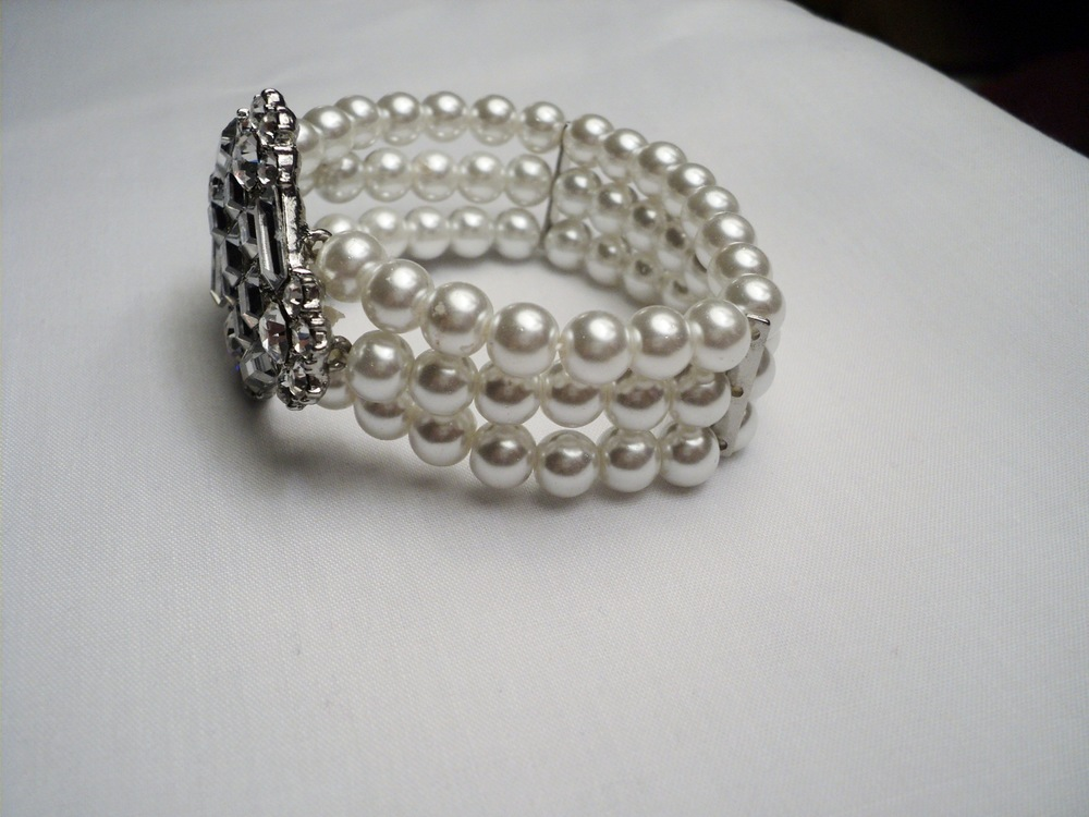 Art Nouveau Stretchable Three Strand 7mm White Swarovski Glass Pearl Bracelet2.jpg