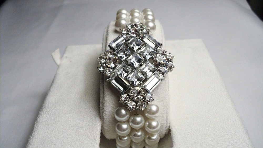 Art Nouveau Stretchable Three Strand 7mm White Swarovski Glass Pearl Bracelet4.jpg