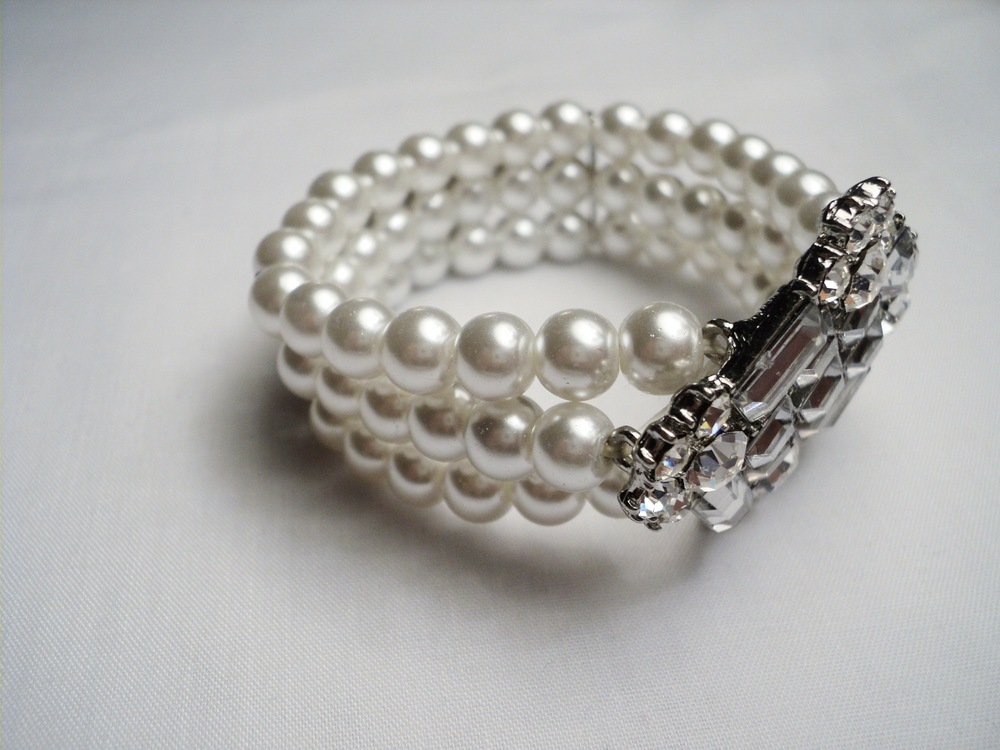 Art Nouveau Stretchable Three Strand 7mm White Swarovski Glass Pearl Bracelet3.jpg