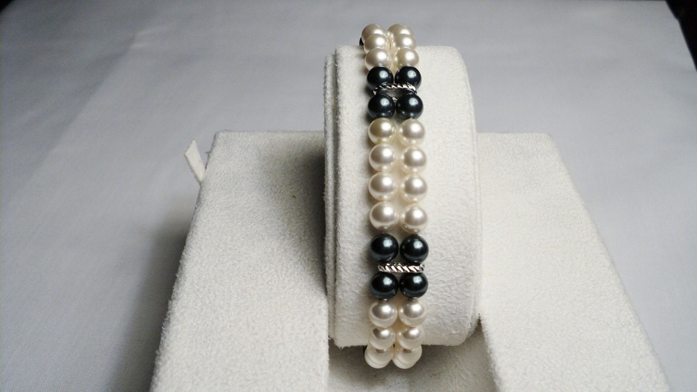 Cream and Tahitian Swarovski Glass Pearl Bracelet.jpg
