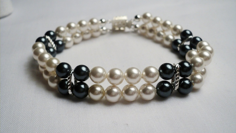 Cream and Tahitian Swarovski Glass Pearl Bracelet3.jpg