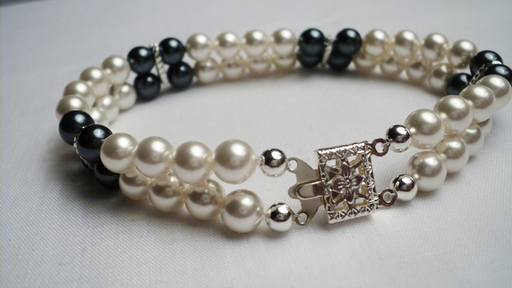 Cream and Tahitian Swarovski Glass Pearl Bracelet4.jpg