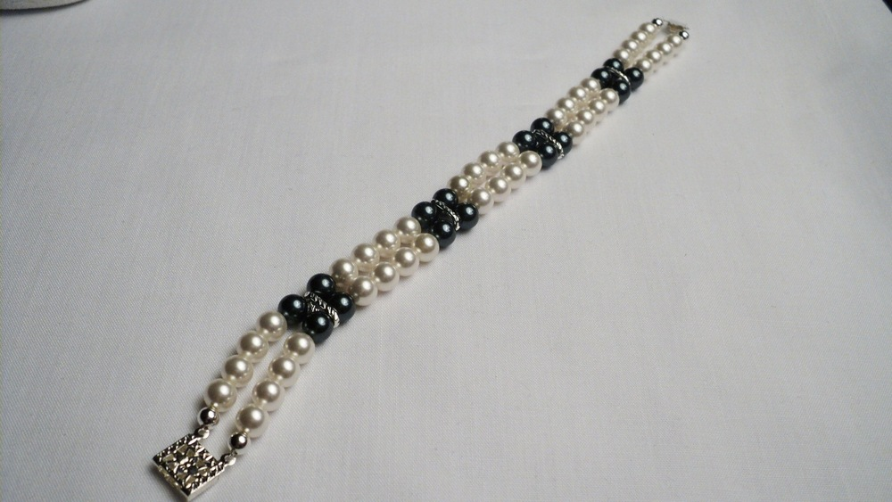 Cream and Tahitian Swarovski Glass Pearl Bracelet5.jpg