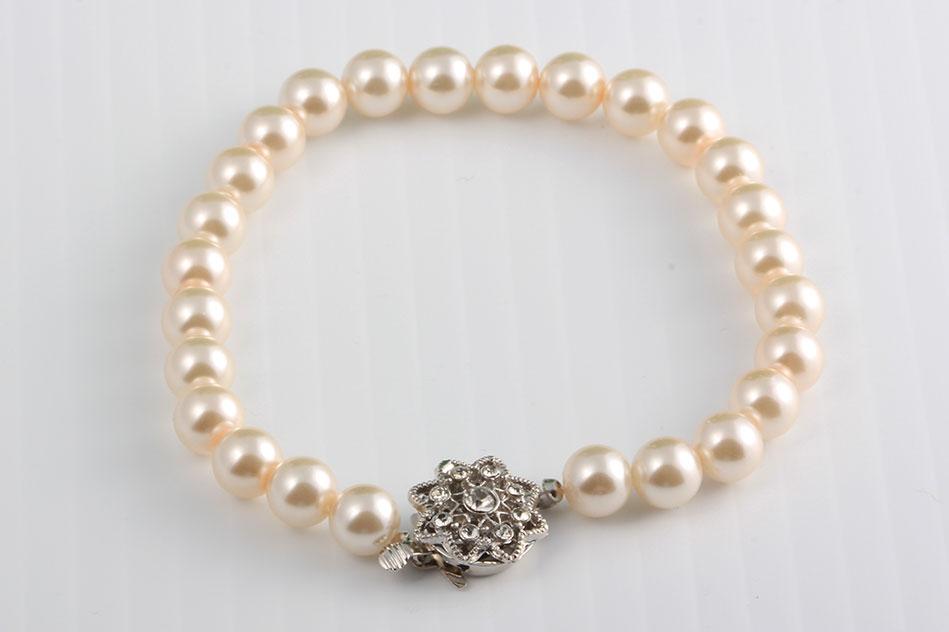 Glass_Pearl_Vintage_Clasp_Bracelet_web.jpg