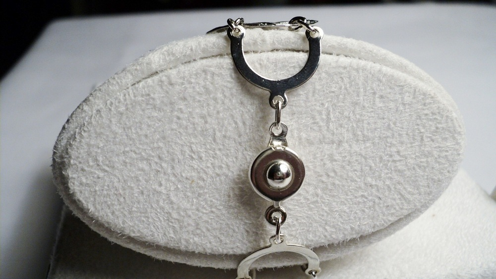 Silver Tone Waffle Disc and Chain Link Bracelet with an Easy Snap Clasp2.jpg