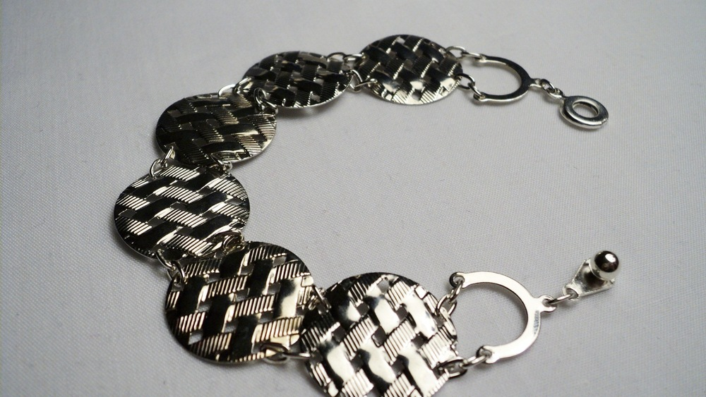 Silver Tone Waffle Disc and Chain Link Bracelet with an Easy Snap Clasp3.jpg