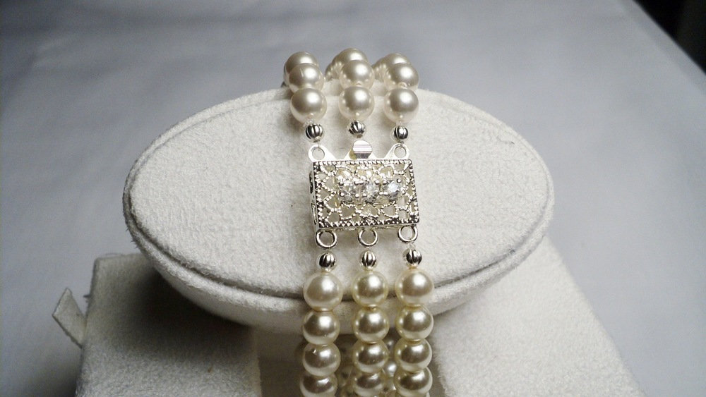 Swarovski Glass Pearl Bracelet with Clear Crystal adorned Silver Plated Filigree Box Clasp.jpg