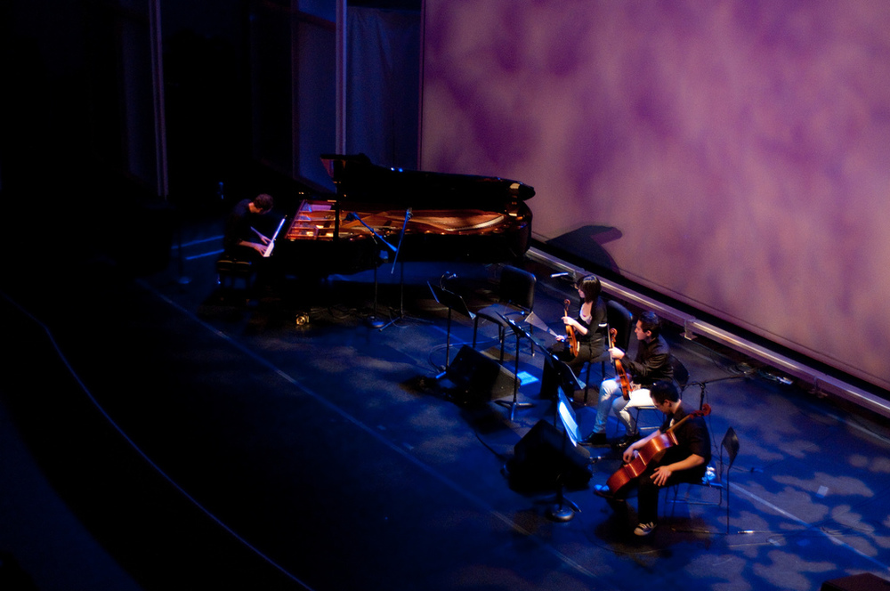 DUSTIN O'HALLORAN performs with a Magik*Magik quartet at the Getty Museum in Los Angeles (2009)