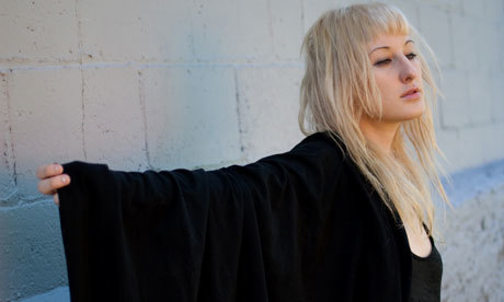 In September 2013, a Magik string quartet accompanies  ZOLA JESUS  on a 4-date West Coast tour.