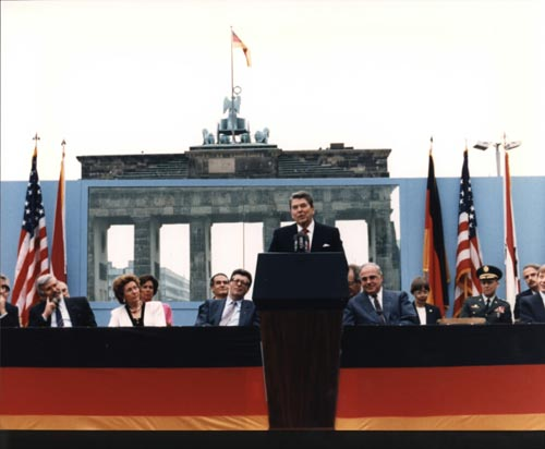 Cold War reading - Reagan-Berlin Wall.jpg