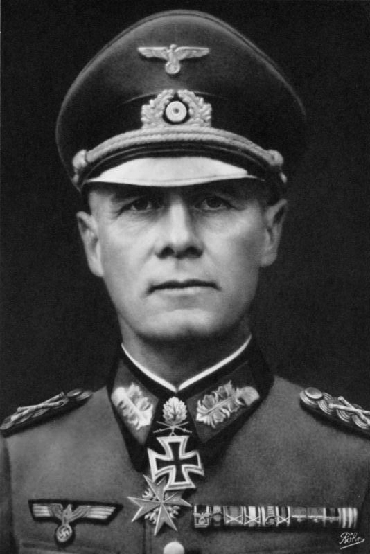 Erwin Rommel in 1942. Source: Bundesarchiv, Bild 146-1985-013-07 / CC-BY-SA 3.0, available  here .