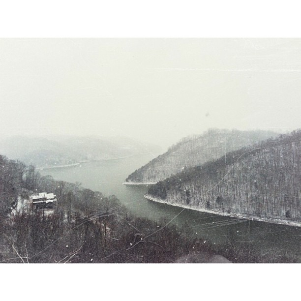 v2 #snow #tennessee #winter #lake