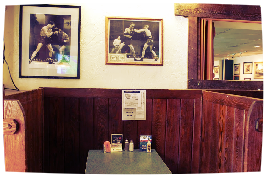 Thanks to the anonymous poster on Google Plus for this photo of a cozy booth in Hambones.