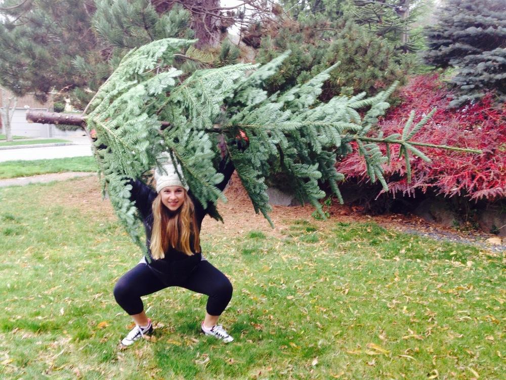 Halli Overhead squatting