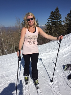 Marisa showing her team spirit by wearing her team t-shirt while skiing in Deer Valley, UT.  No extra points but the team spirit is awesome.