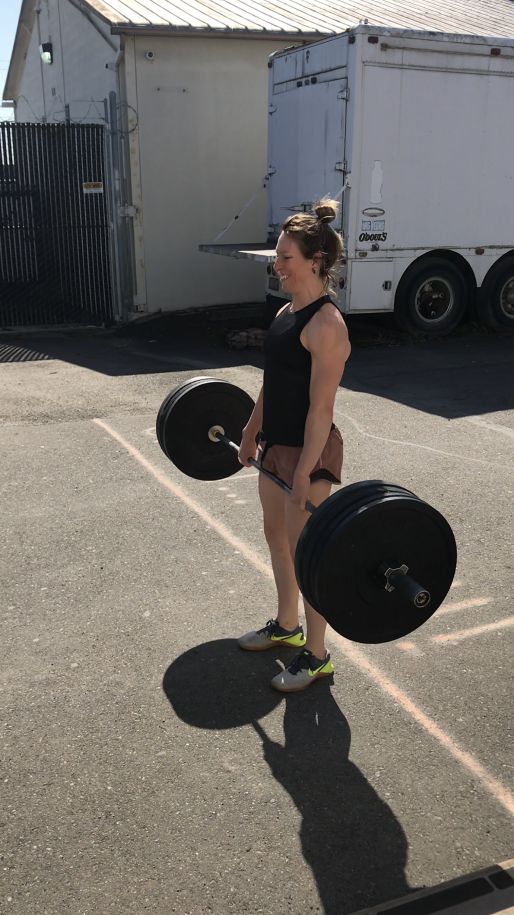 Coach Megan smashing some deadlifts