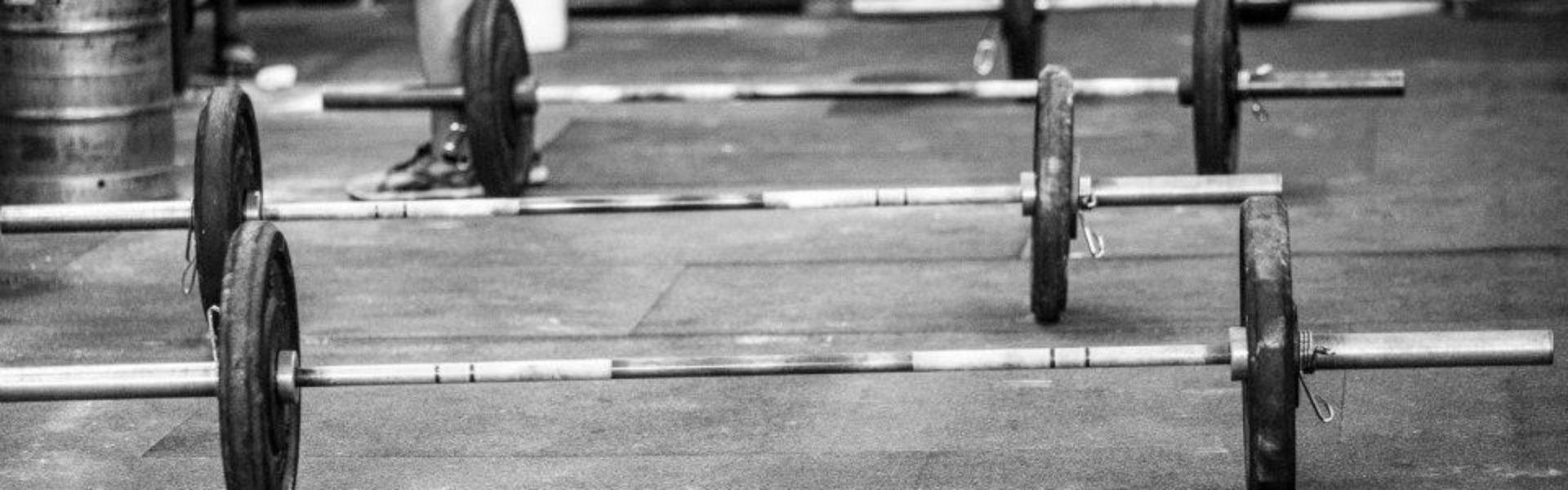 Cropped Gym Monochrome Barbells Hd Wallpaper 879050