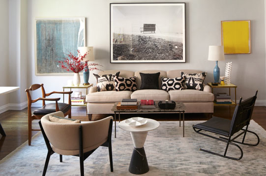 Tamzin Greenhill Manhattan Apartment, George Smith Sofa, Ikat Rug,Jacques Adnet Metal Chair