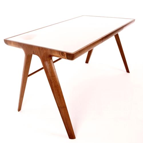 Maya8 desk by Dare Studio
