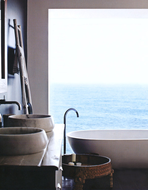 Beautiful Bathroom Overlooking Sea. Inspiration, Bath tub, Big Round Sink