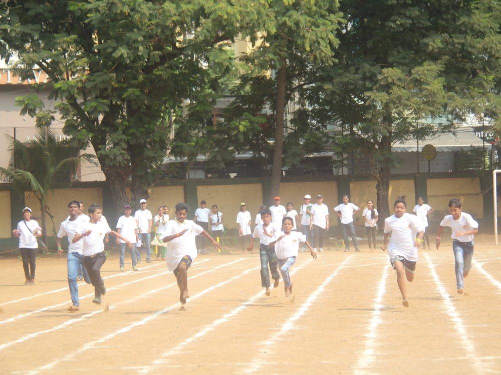 Running race by children