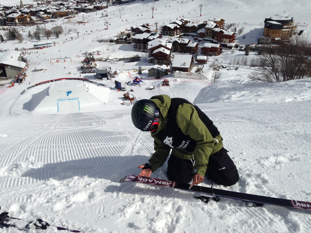 Scraping my skis. Photo by Jesper Tjader